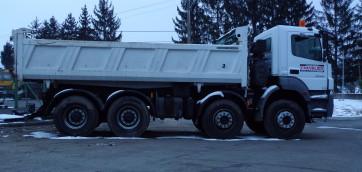 Camion de transport de l'entreprise Chevalier à Brioude
